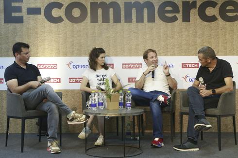 מימין: מאיר אורבך, רון עצמון, ליאור סיימון, איתי לוי. פאנל הונאות ברשת כנס e commerce 360, צילום: עמית שעל