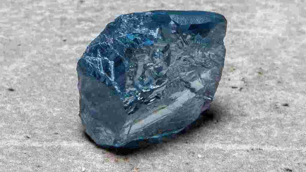 יהלום גולמי פטר נמכר 40 מיליון דולר