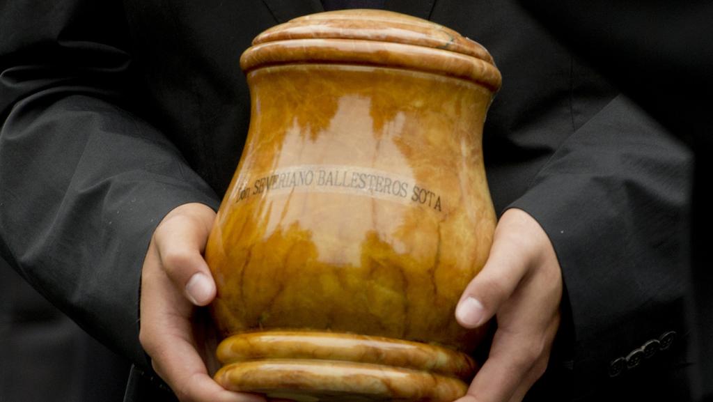 עסקים מהעולם הבא: אפסלון רוכשת חנות לממכר כדי קבורה ב-6 מיליון דולר