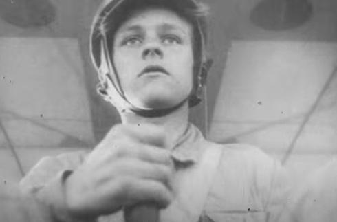 טייס בן 12 באימון דאייה , צילום: Bundesarchiv