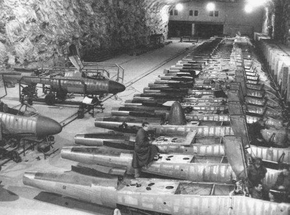 מפעל היינקלים תת קרקעי שנתפס בגרמניה לאחר המלחמה  , צילום: USAF