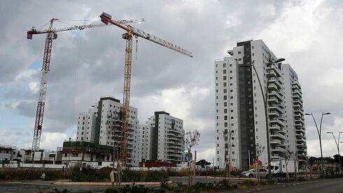 מדד אלרוב: רוכשי הדירות ייאלצו להביא יותר כסף מהבית