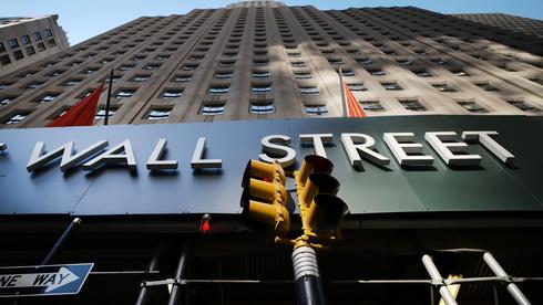 נעילה מעורבת בוול סטריט, המכירות הקמעונאיות הפתיעו - עלו ב-0.7% באוגוסט