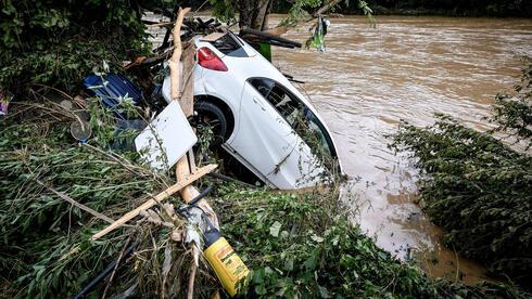 בעקבות אסון השטפונות: גרמניה תאפשר לשדר אזהרות חירום ב-SMS לאזורים מוכי אסון