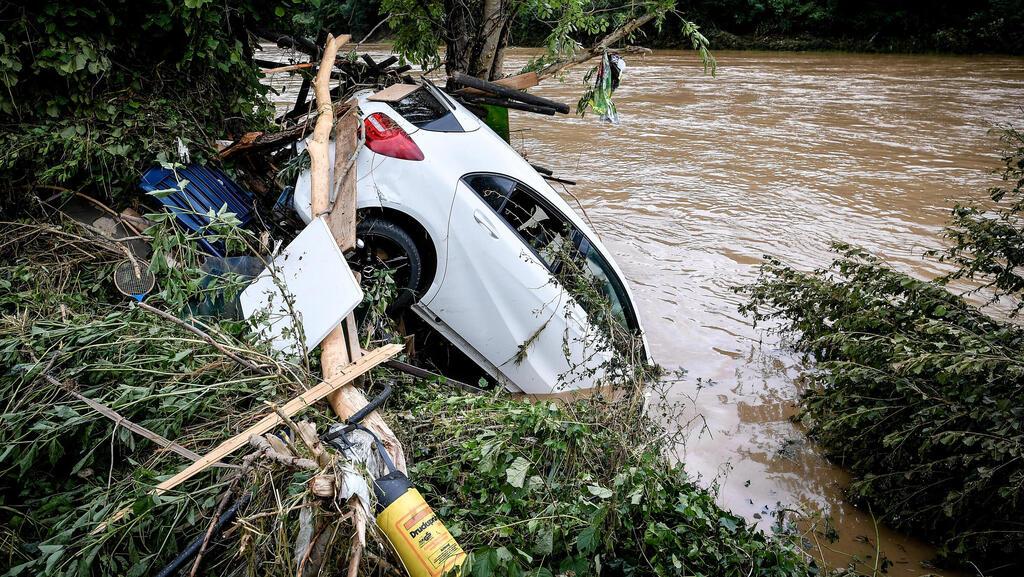 נזקי השיטפונות בגרמניה, אי פי איי