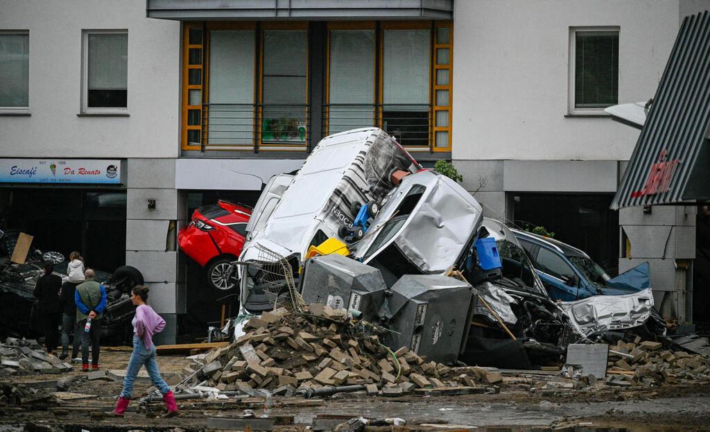 עיירה ב מערב גרמניה שטפון שלשום