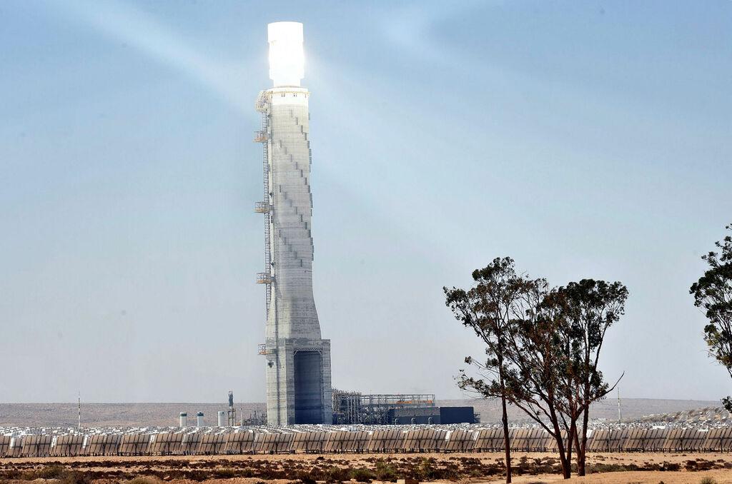 תחנת הכוח הסולארית ב אשלים