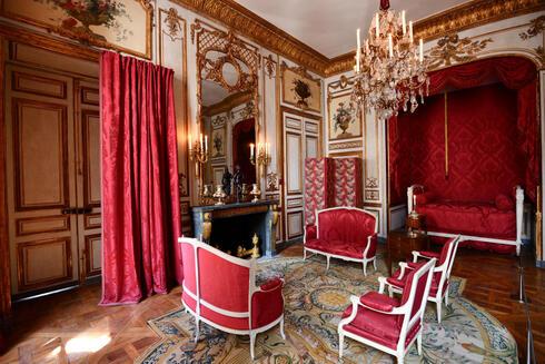 לבלות כמו נפוליאון: הוטל דה לה מארין נפתח מחדש