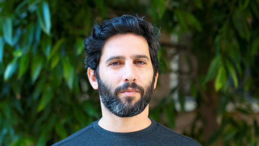 מנהל הספריות העירוניות בתל אביב אורי אליס פנאי