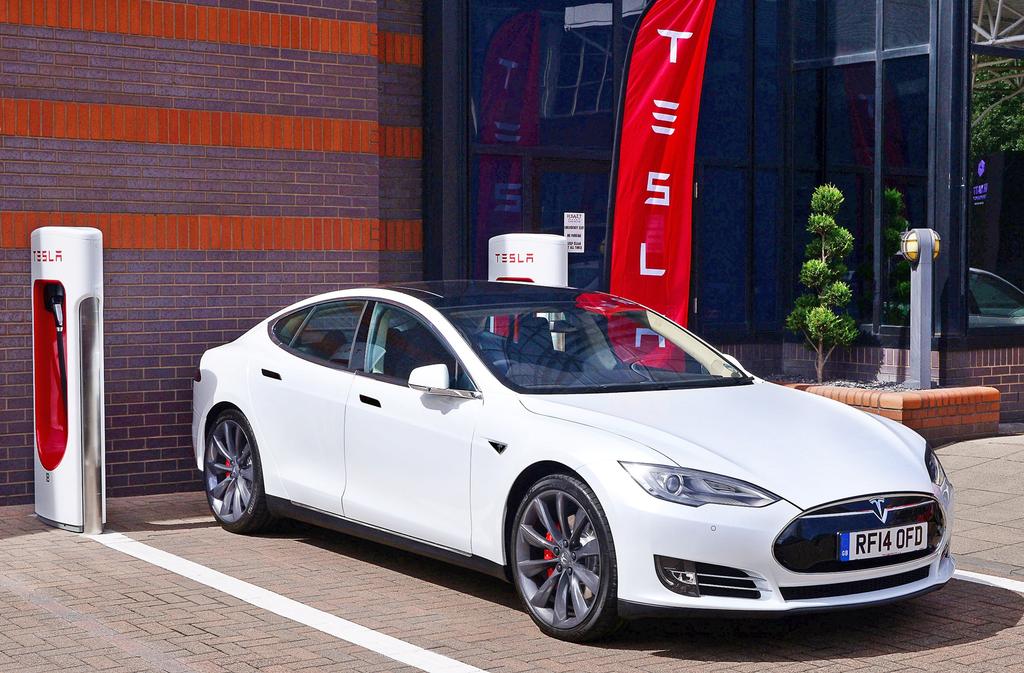 טסלה 3 רכב חשמלי
