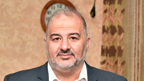 """פרשת הפנסיות הרטרואקטיביות: בג""""ץ ימתין עד להכרעת מנסור עבאס"""