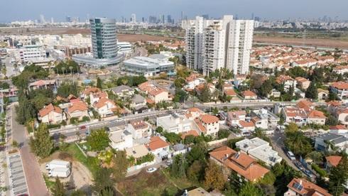 בין תל-אביב לחולון: הישוב אזור יוכפל