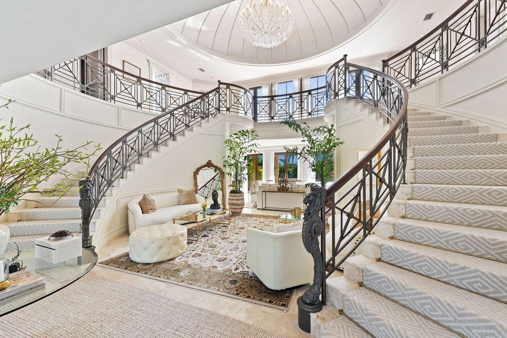 הבית שקנו איוונקה טראמפ ג'ארד קושנר אי אינדיאן קריק בונקר המיליארדרים ליד מיאמי פלורידה