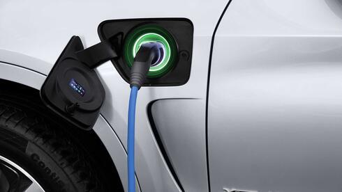 יש לכם מכונית חשמלית? המדינה רוצה לדעת מתי אתם טוענים