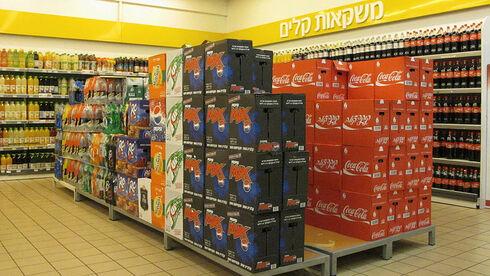 אחרי הכלים החד-פעמיים: באוצר רוצים להטיל מס גם על משקאות ממותקים