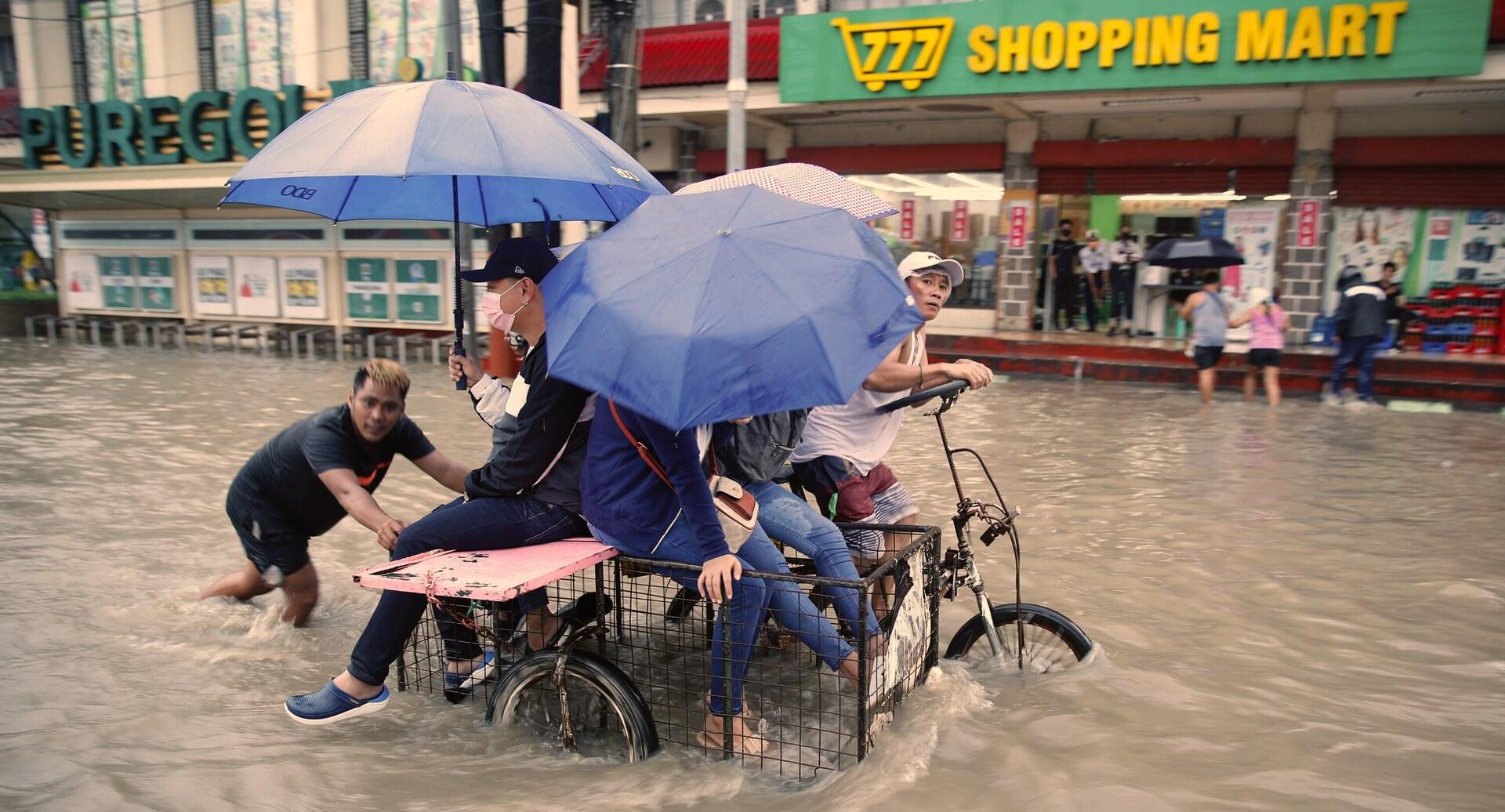 פוטו שטפונות יולי 2021 מנילה פיליפינים