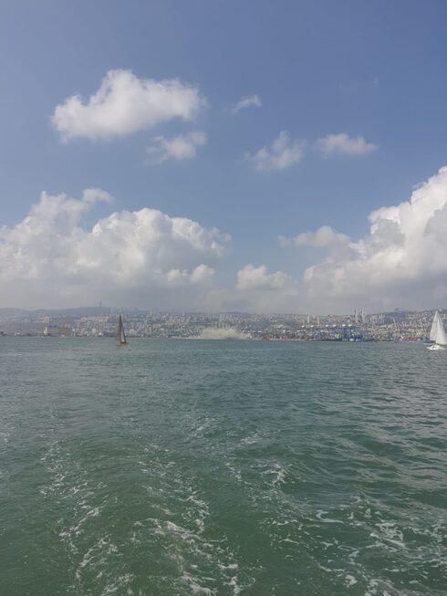 ככה לא נלחמים בזיהום: קנס של 6,000 שקל בלבד לאוניה שזיהמה את מי נמל חיפה