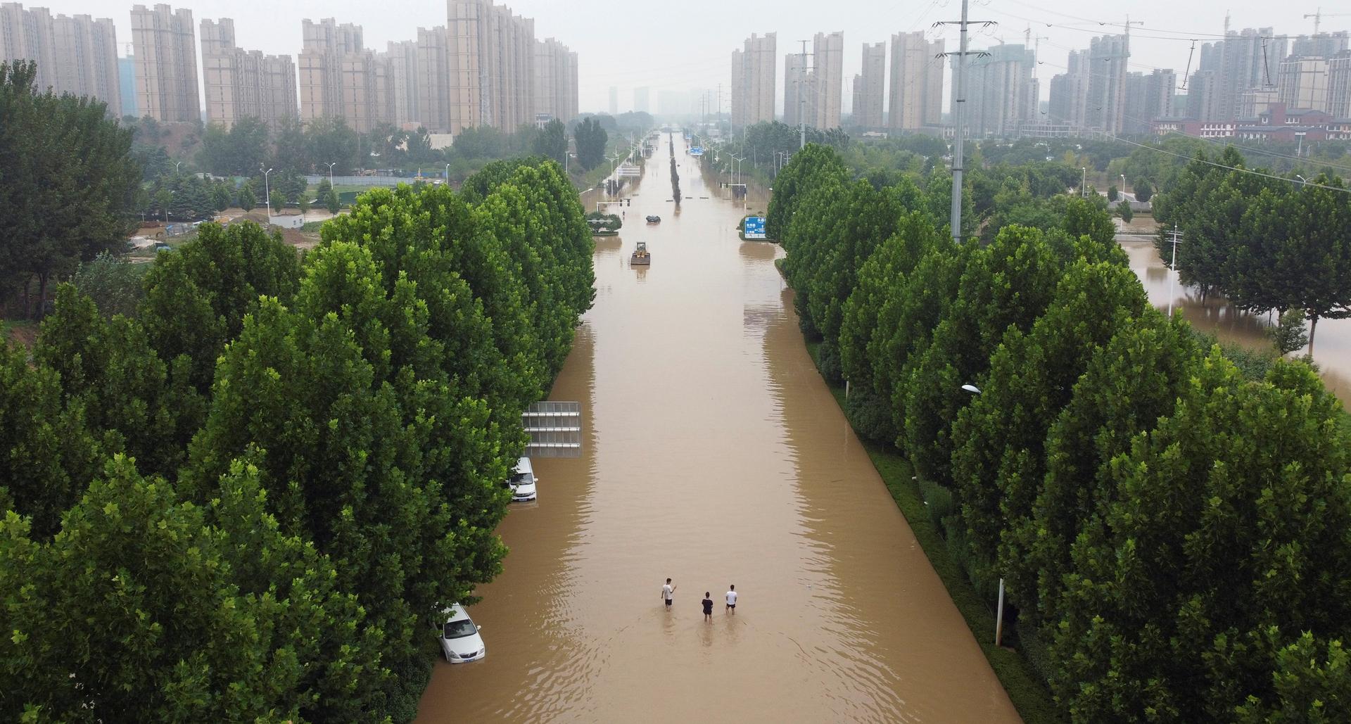 פוטו הצפות יולי 2021 זנגזו סין