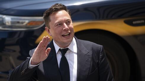 """ביידן התעלם מההישג של SpaceX - מאסק לא נשאר חייב: """"הוא עדיין ישן"""""""