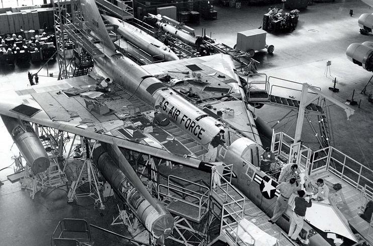 הקברניט B58 מפציצים מפציץ אטומי