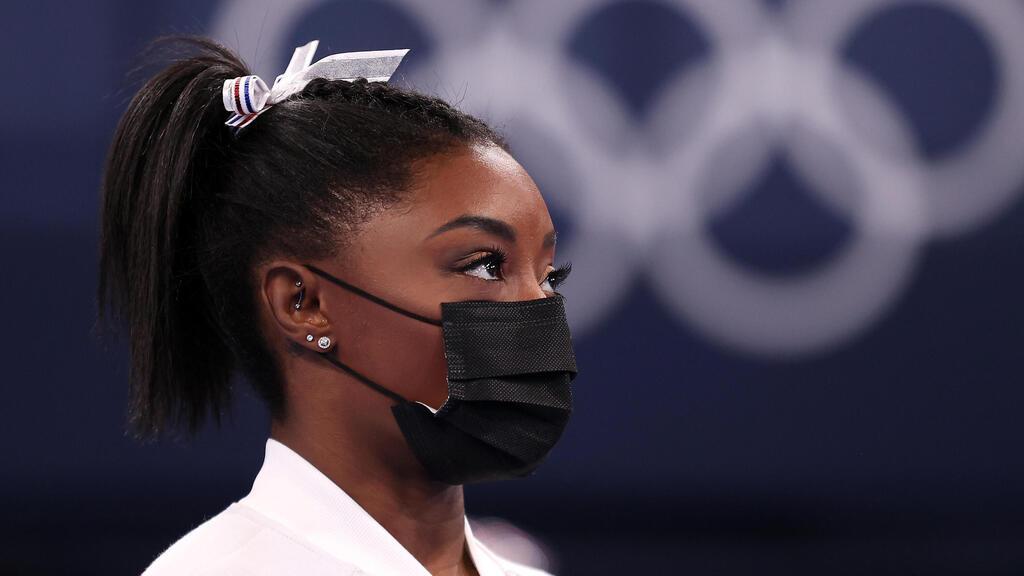 סימון ביילס לאחר שפרשה מהתחרות אולימפיאדה טוקיו