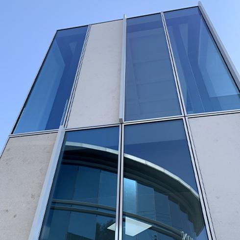"""הצללות אנכיות בפרויקט גט""""י, צוות תכנון MYS אדריכלים: שרון הירש ויניב דוידי"""