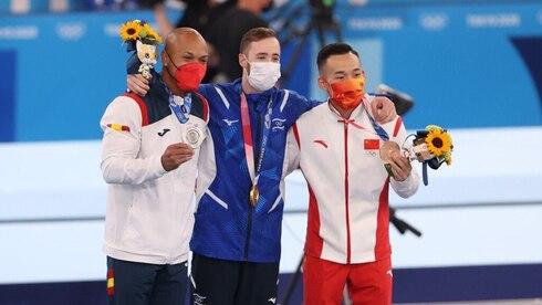 אלוף אולימפי: מדליית זהב היסטורית לישראל בתרגיל הקרקע