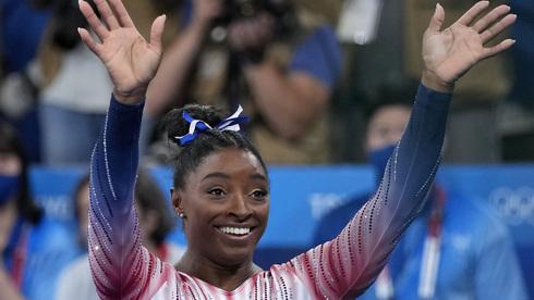 סוף טוב לסיפור: סימון ביילס זכתה במדליית ארד בקורה