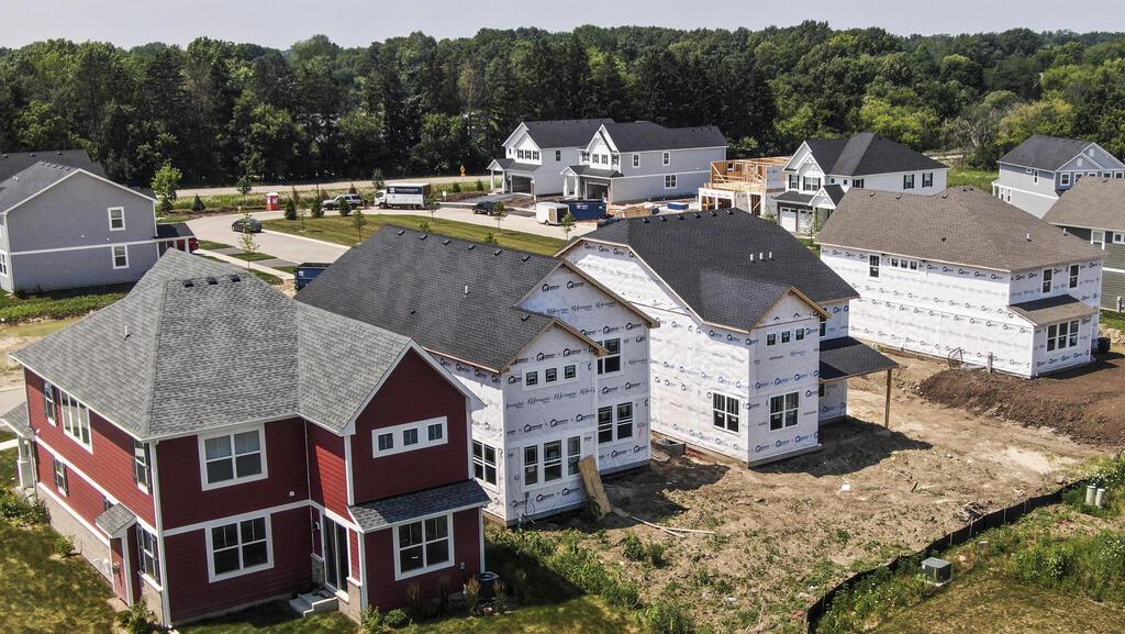 מבנקים ועד קרנות פנסיה: משקיעים מתנפלים על בתים פרטיים להשכרה