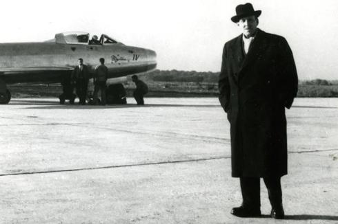 מרסל דאסו. אם לדייק, על יהדותו ויתר ב-1950, ודאסו לא היה שמו המקורי. אבל זה כבר נושא לטור אחר, dassault aviation
