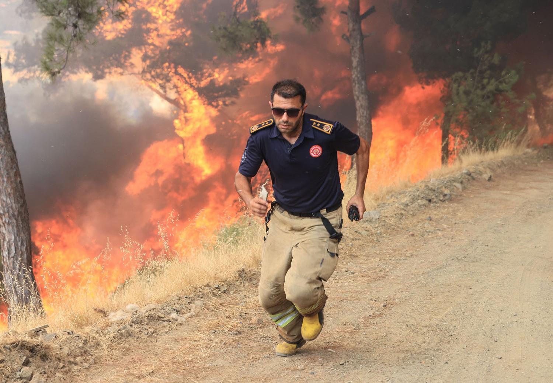 פוטו משבר האקלים שריפות טורקיה כבאי