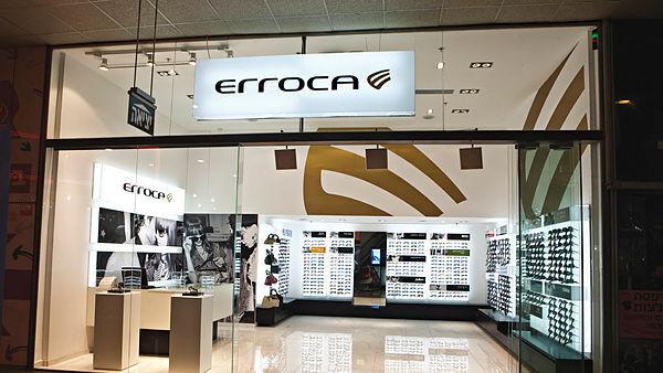 חנות של רשת המשקפיים אירוקה, אדי כהן