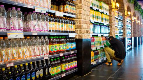 חברות המשקאות הקלים נכנסות לכוננות ספיגה