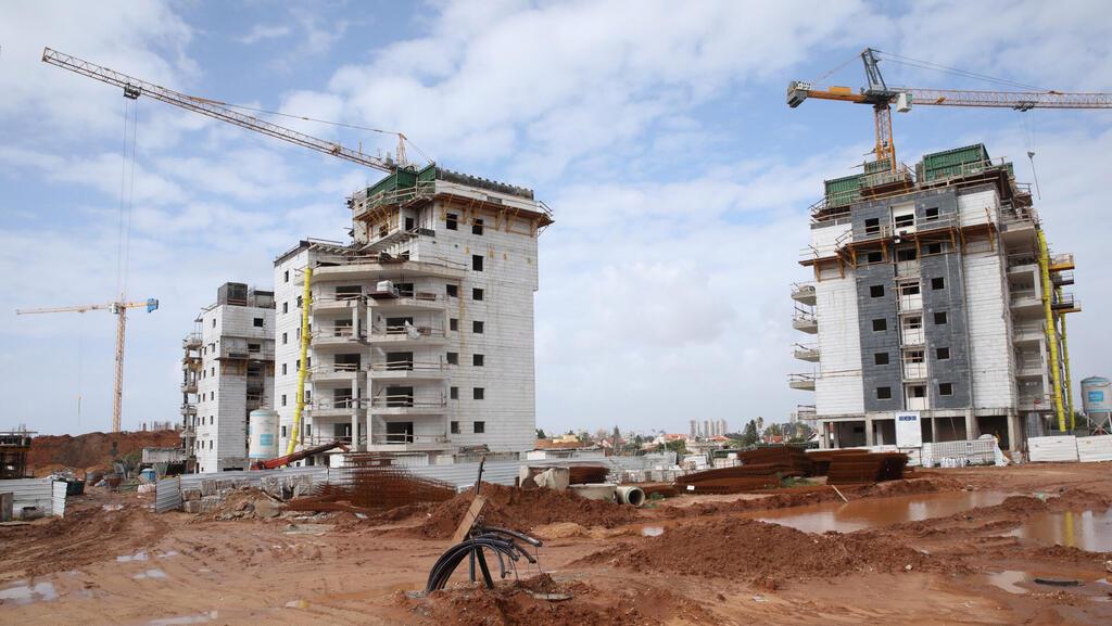 הישראלים מסתערים על הגרלות הזכאות לדיור מוזל