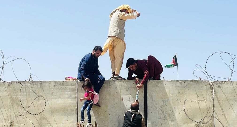 פוטו אפגניסטן טאליבן שדה תעופה בריחה