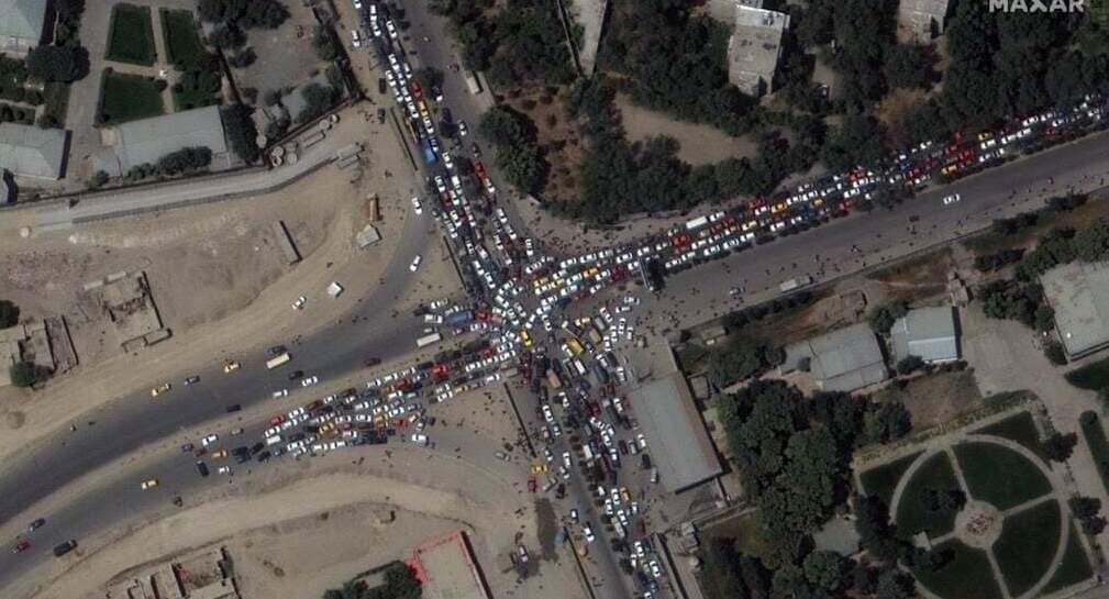 פוטו אפגניסטן טאליבן  פקק תנועה שדה תעופה
