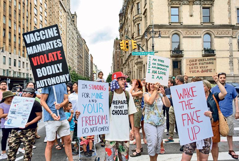 עצרת נגד חיסוני קורונה בשבוע שעבר בניו יורק