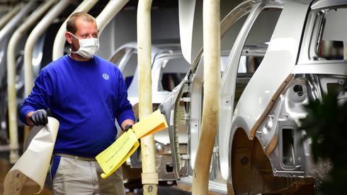שיא שלילי: מפעל פולקסווגן הראשי חזר לנתוני ייצור של שנות החמישים