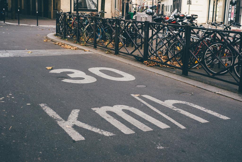 Paris speed limit 30 km / h