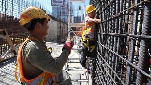הממשלה אישרה תוספת של 29 אלף עובדים לבניין, אבל אפילו אחד לא בא