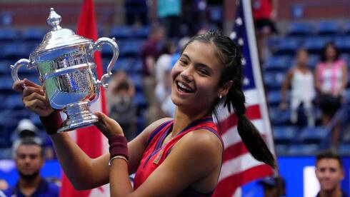 לאחר החוזה עם טיפאני – סנסציית הטניס אמה רדוקאנו חותמת על עסקת חסות עם דיור