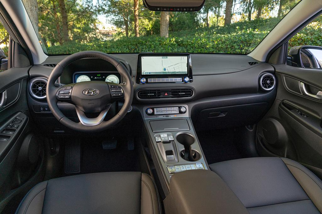 יונדאי קונה EV רכב חשמלי מבפנים