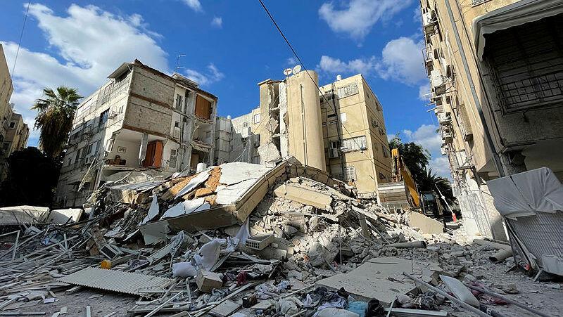 הבניין שקרס בחולון, צילום: קובי קואנקס