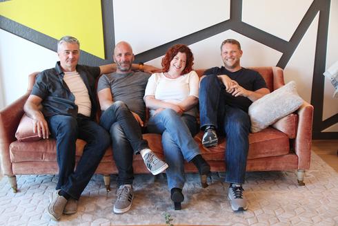 """משמאל: רם אורן, דני הרמן, מירב אורן (המנכ""""לית) וברק כהן, מייסדי Versatile, צילום: Ray Habot"""