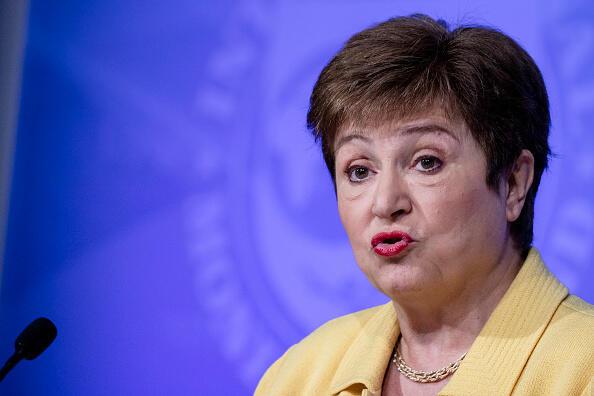 """""""בכירים בבנק העולמי לחצו לשנות נתונים על סין - כדי להעלות את הדירוג שלה"""""""