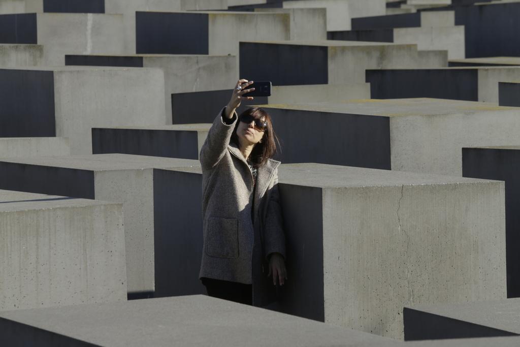 צילום סלפי אנדרטת השואה ברלין, פברואר 2019