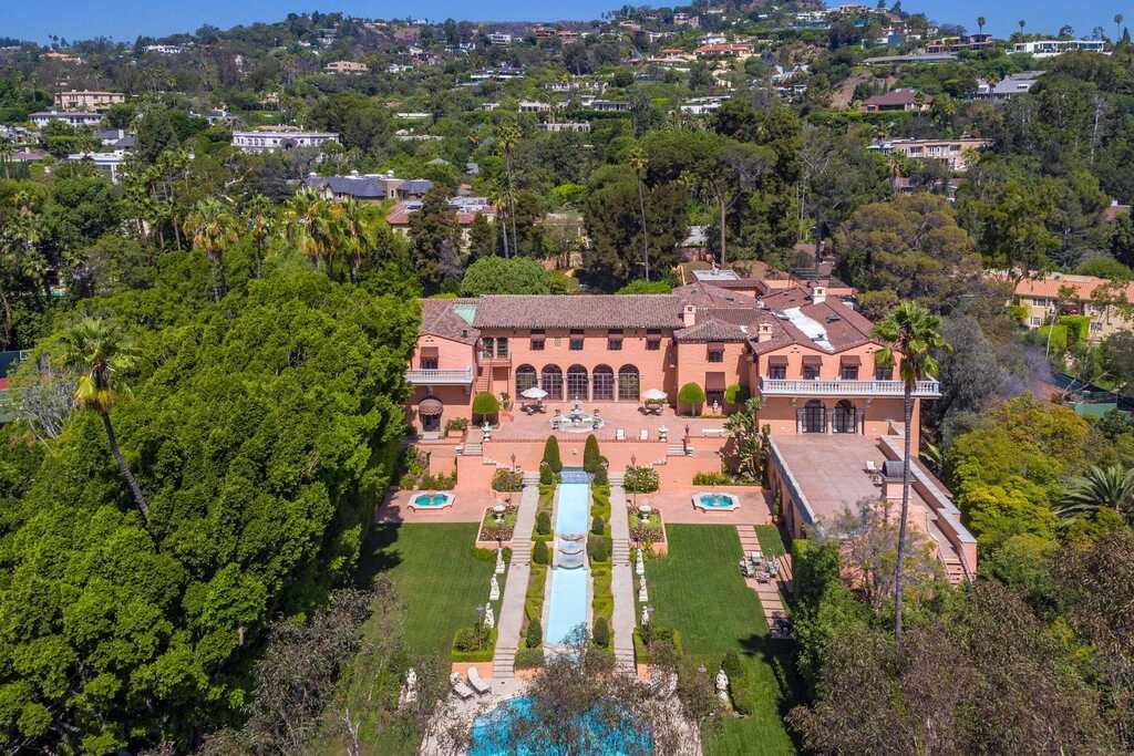 אחוזת הרסט לוס אנג'לס נמכרה