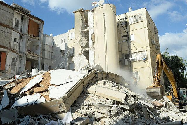 בניין ש קרס ב חולון