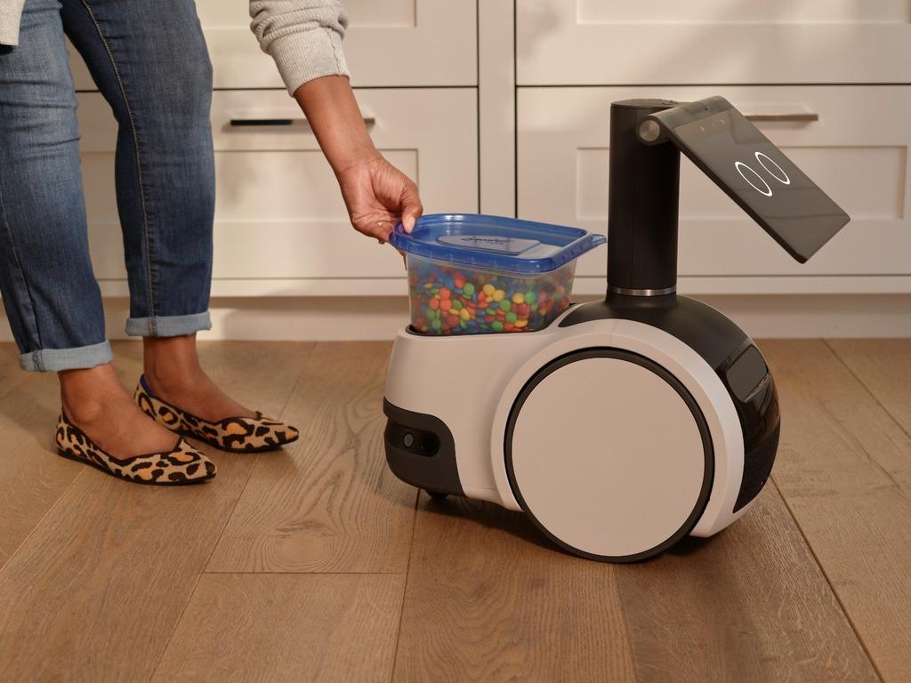 רובוט הבית אסטרו של אמזון
