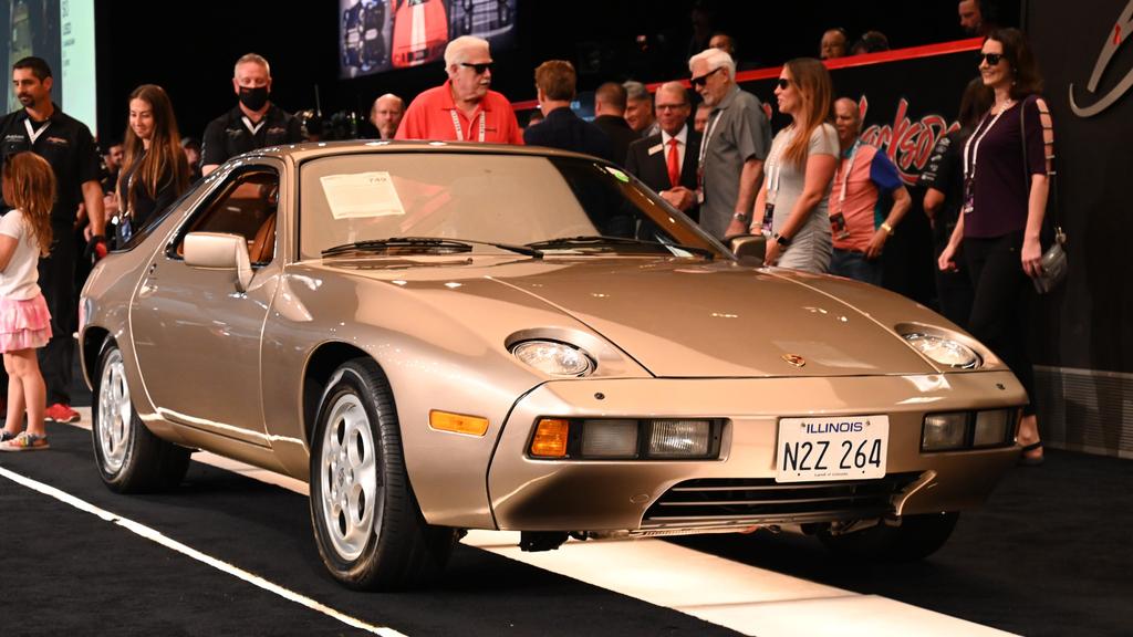 רכב פורשה Porsche 928